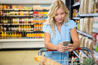 celular-y-compra-supermercado-400×265